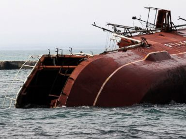 Crimea Lawmakers Vote to Join Russia, Ship Sunk to Block Port