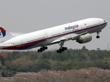 Australia Officials Focus Search for Missing Plane