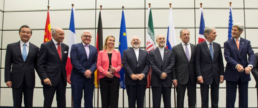 PHOTO: World leaders pose for a group picture at the United Nations building in Vienna, July 14, 2015, during their talks on the Iranian nuclear program.