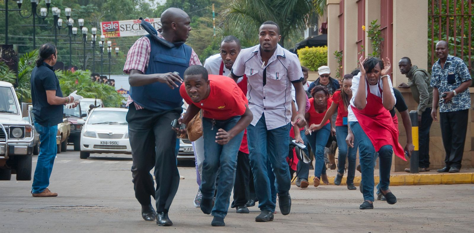 PHOTO: Civilians flee from the Westgate Mall in Kenya