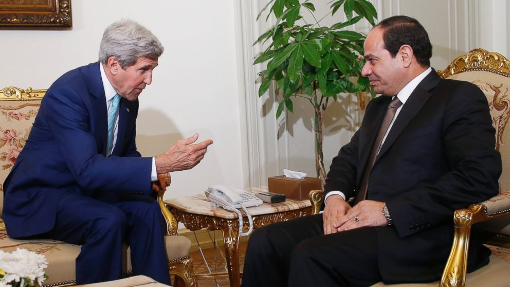 PHOTO: U.S. Secretary of State John Kerry meets with Egyptian President Abdel-Fattah el-Sissi in Cairo, Egypt, July 22, 2014.