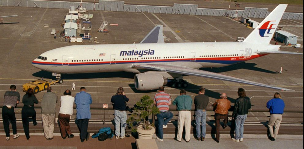 PHOTO: A Boeing 777-200IGW, like the one pictured, has gone missing while inflight from Kuala Lumpur to Beijing, March 7, 2014.