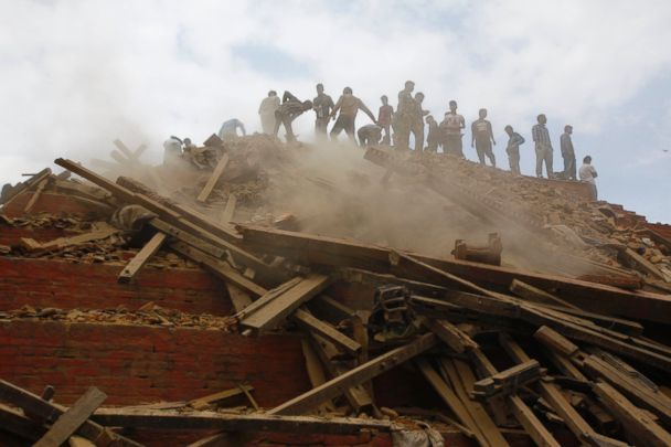 http://a.abcnews.com/images/International/AP_nepal_earthquake_13_jt_150425_3x2_608.jpg