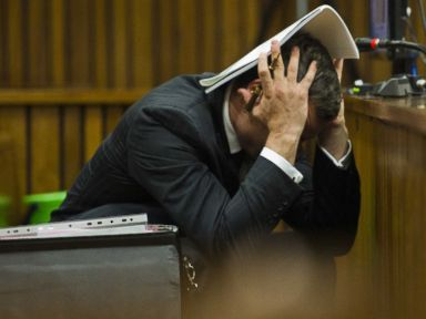 Pistorius Sickened by Pictures of Girlfriend's Bloody Face