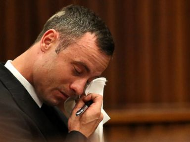 Pistorius Cries Over Loving Texts From Slain Girlfriend