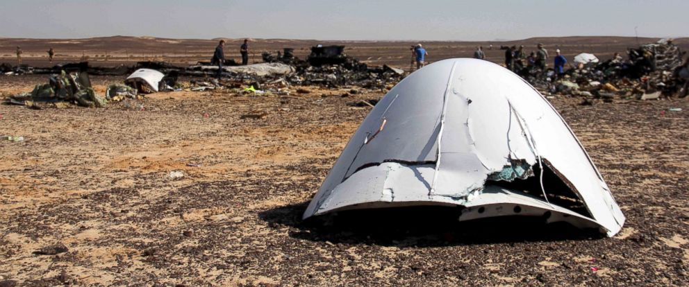 PHOTO: Debris of a Russian airplane is seen at the site a day after the passenger jet bound for St. Petersburg, Russia, crashed in Hassana, Egypt, Nov. 1, 2015.