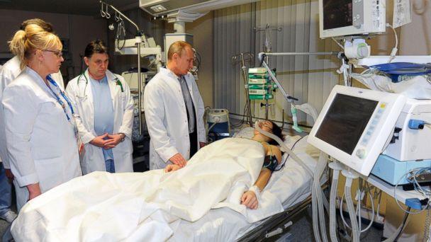 AP vladimir putin maria komissarova jt 140216 16x9 608 Winter Olympics 2014: Vladimir Putin Visits Injured Russian Skier in Hospital