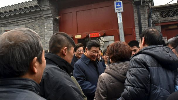 AP xi jinping tk 140225 16x9 608 Chinas President Applauded for Walking Street Without Air Mask