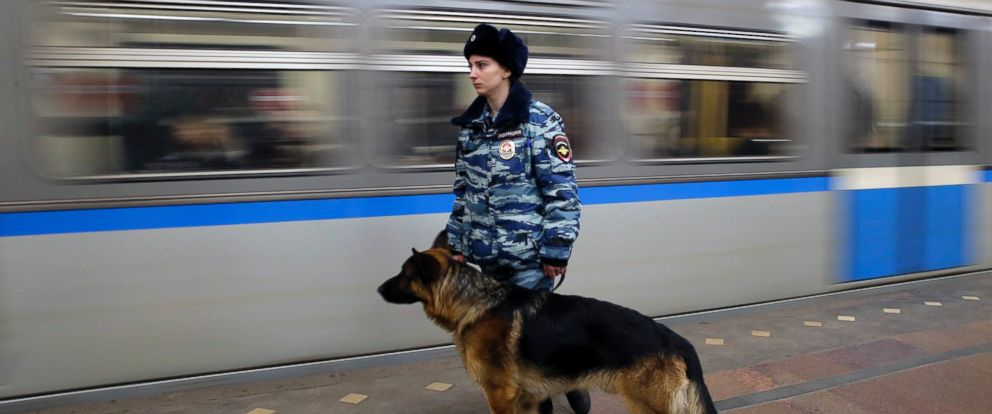 PHOTO: A day after a deadly metro blast in St. Petersburg, A police officer patrols a metro station, Apr. 4, 2017, in Moscow.