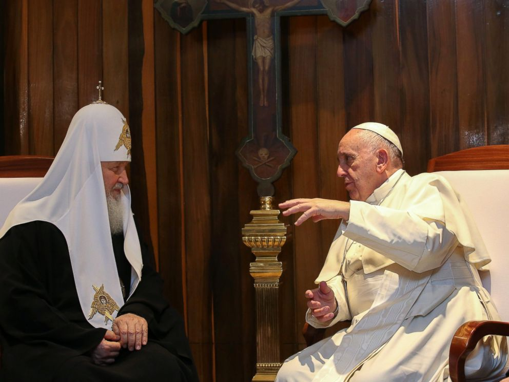 PHOTO: Pope Francis and the Patriarch Kirill meet at Jose Marti international airport, in Havana, Cuba, Feb. 12, 2016. The two met in Cuba in a major advance towards healing a 1,000-year-old rift between Roman Catholics and Orthodox Christians.