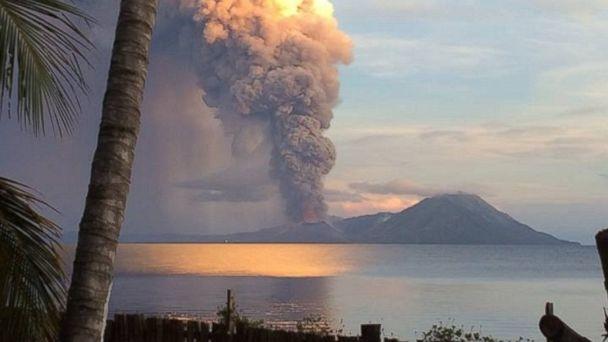http://a.abcnews.com/images/International/FB_Volcano2_140829_dg_16x9_608.jpg