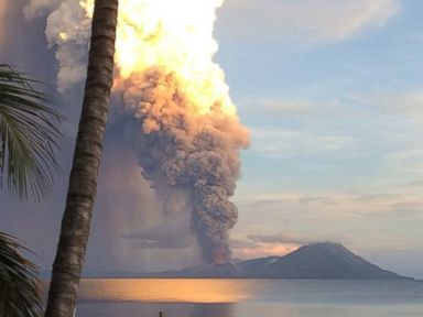 PHOTO: Smoke rises after Papua New Guineas Tavurvur volcano erupted, August 29, 2014.