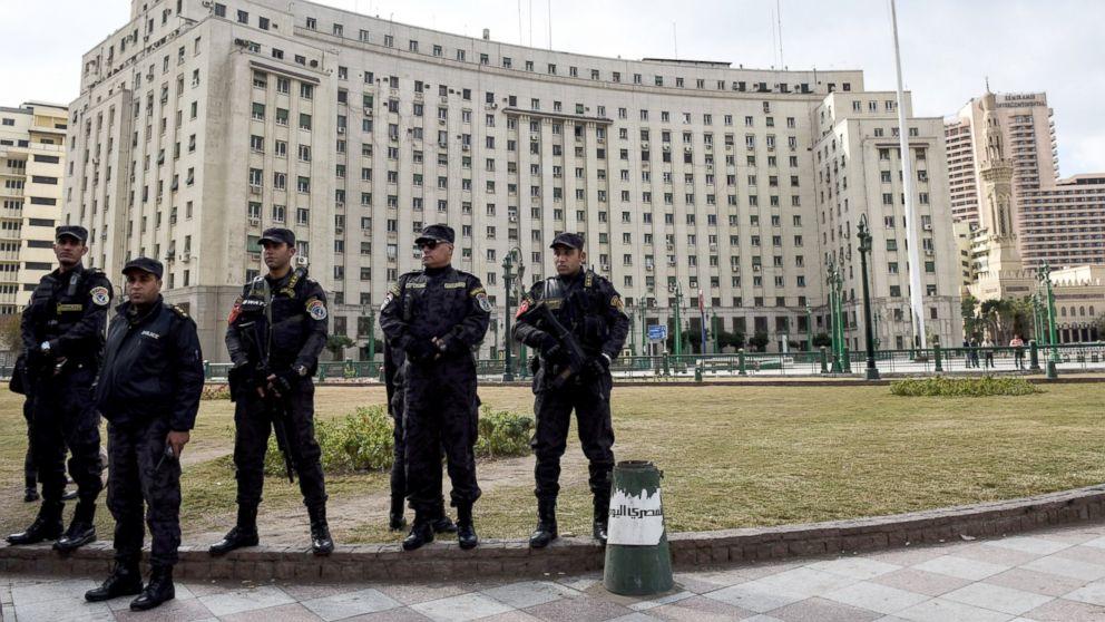 http://a.abcnews.com/images/International/GTY-cairo-security-01-jef-170524_16x9_992.jpg