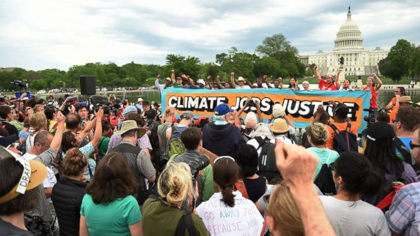 http://a.abcnews.com/images/International/GTY-climate-march-washington-4-jt-170429_16x9_608.jpg