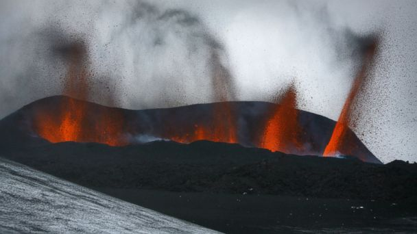 http://a.abcnews.com/images/International/GTY_Iceland_Volcano_2010_ml_140820_16x9_608.jpg