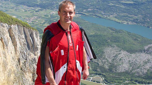 GTY Mark Sutton stuntman dead thg 0130816 16x9 608 James Bond Stuntman Dies in Wingsuit Accident