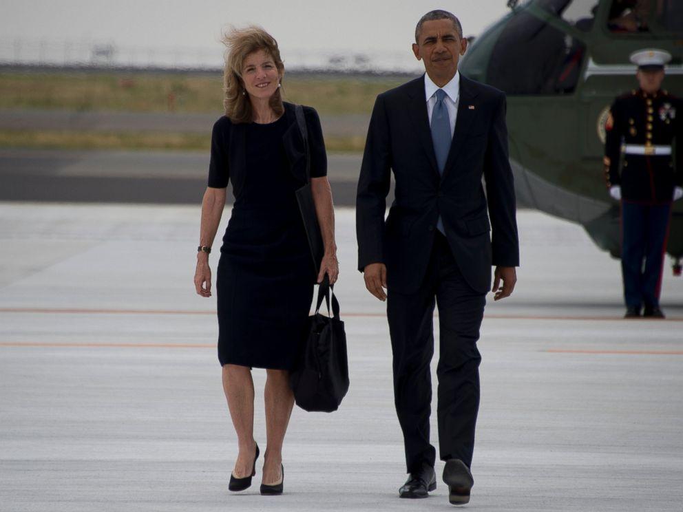 PHOTO: US Ambassador to Japan Caroline Kennedy and President Barack Obama walk following the end of the G7 Summit, at Chuba Centrair International Airport in Tokoname, near Nagoya, May 27, 2016.