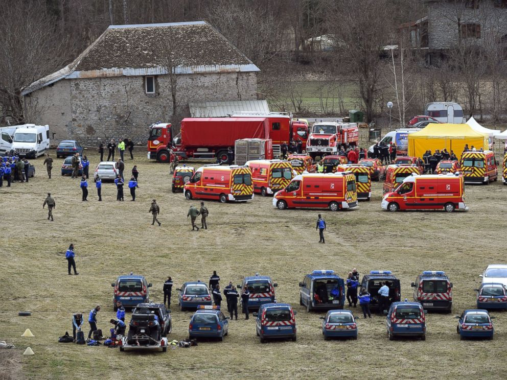 PHOTO:French emergency services workers and members of the French gendarmerie gather in Seyne, near the site where a Germanwings Airbus A320 crashed in the French Alps, March 24, 2015.