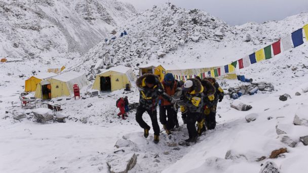 http://a.abcnews.com/images/International/GTY_mt_everest_avalanche_jt_150426_16x9_608.jpg