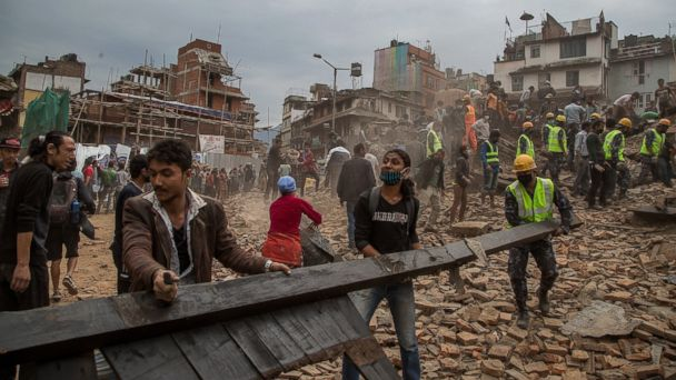 http://a.abcnews.com/images/International/GTY_nepal_earthquake_5_jt_150425_1_16x9_608.jpg