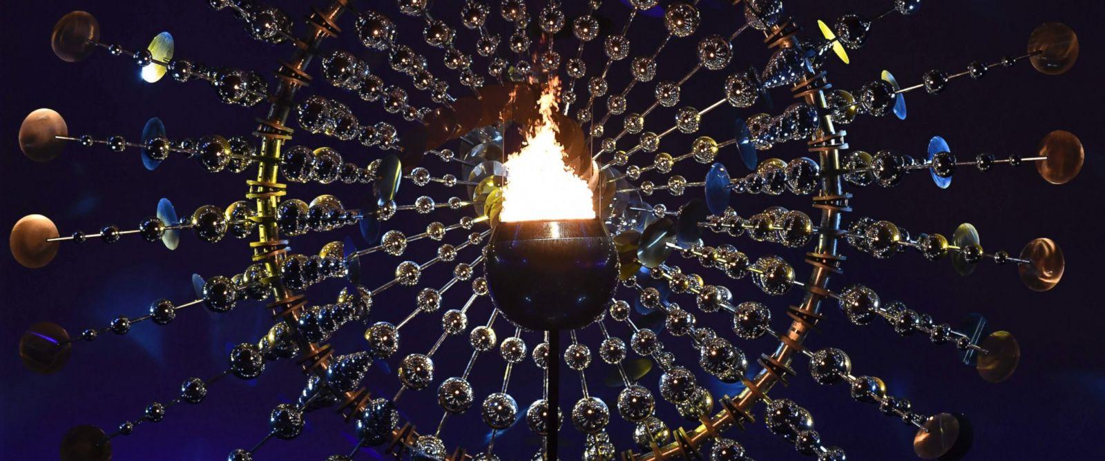 GTY_olympics_opening_ceremony_1_jt_16080