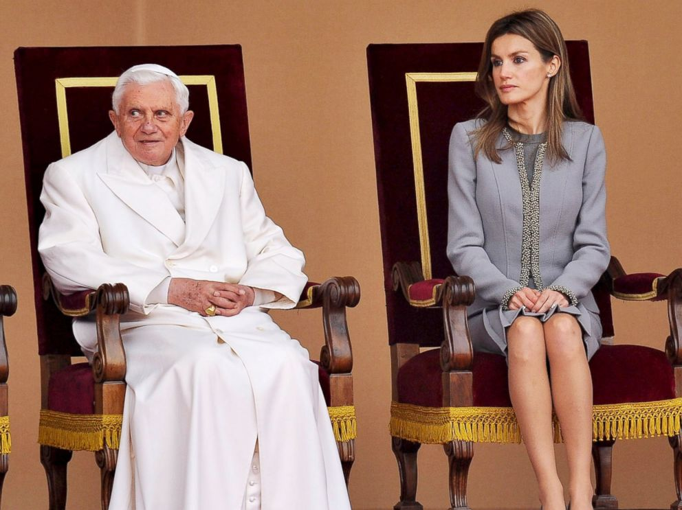 PHOTO: Princess Letizia of Spain with Pope Benedict XVI, Nov. 6, 2010, in Santiago de Compostela, Spain.