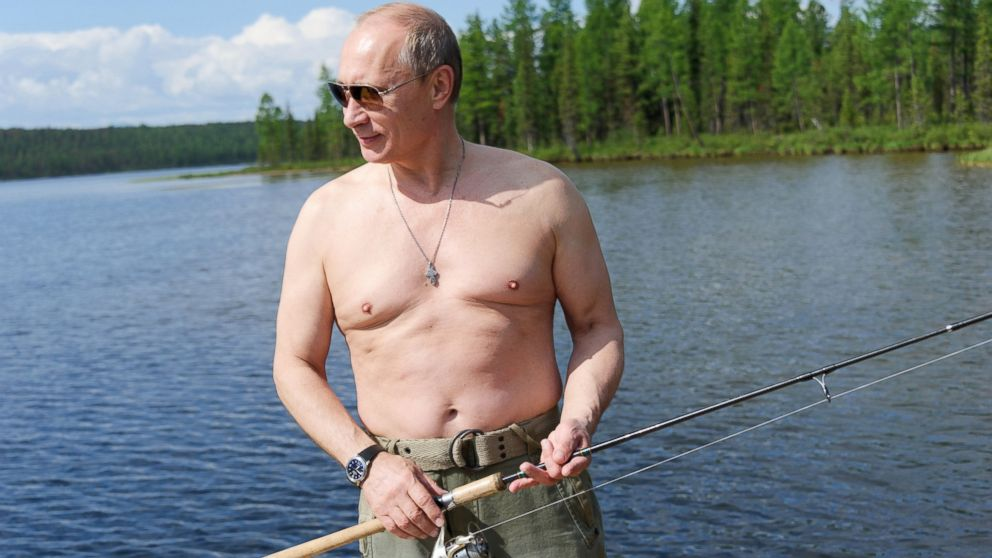 PHOTO: Russian President Vladimir Putin fishing in the Tyva region of Russia, July 20, 2013, during his vacation.