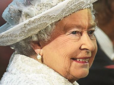 PHOTO: Queen Elizabeth II arrives during the Opening Ceremony for the Glasgow 2014 Commonwealth Games at Celtic Park, July 23, 2014, in Glasgow, Scotland.