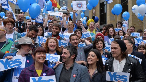 http://a.abcnews.com/images/International/GTY_scottish_referendum_kab_140917_16x9_608.jpg