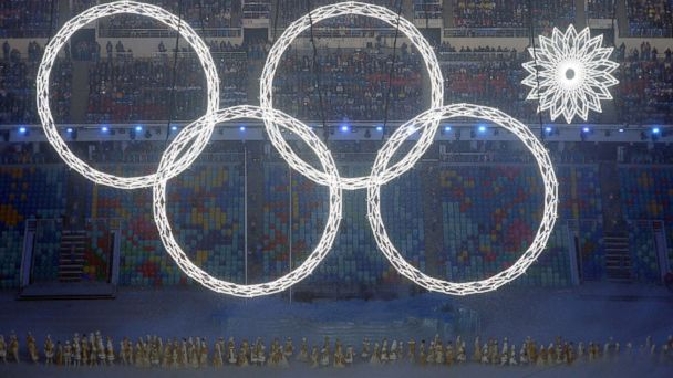 GTY_sochi_olympic_opening_ceremony_ring_