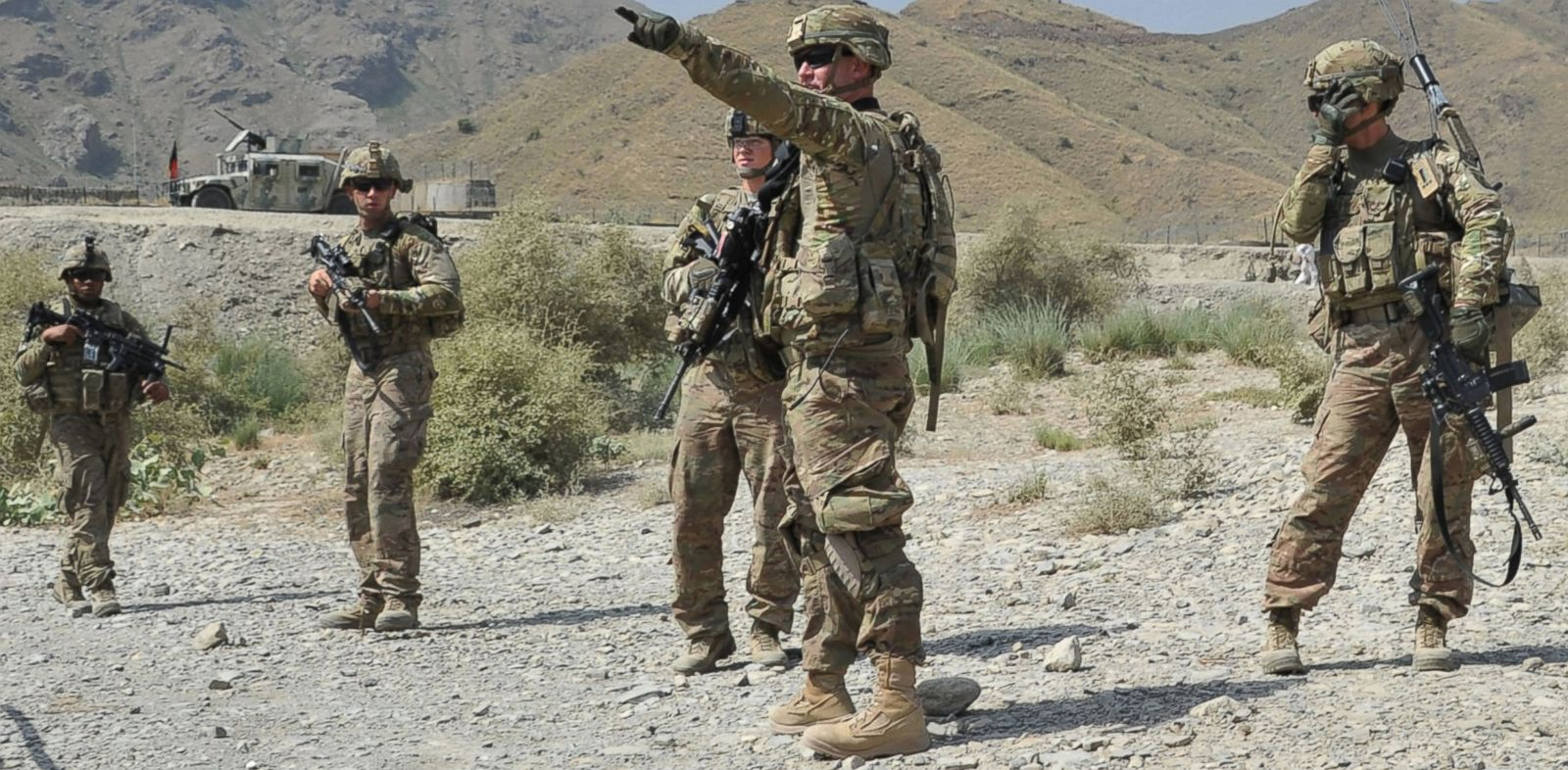 PHOTO: US soldiers gather after a clash between Taliban and Afghan security forces in Torkham