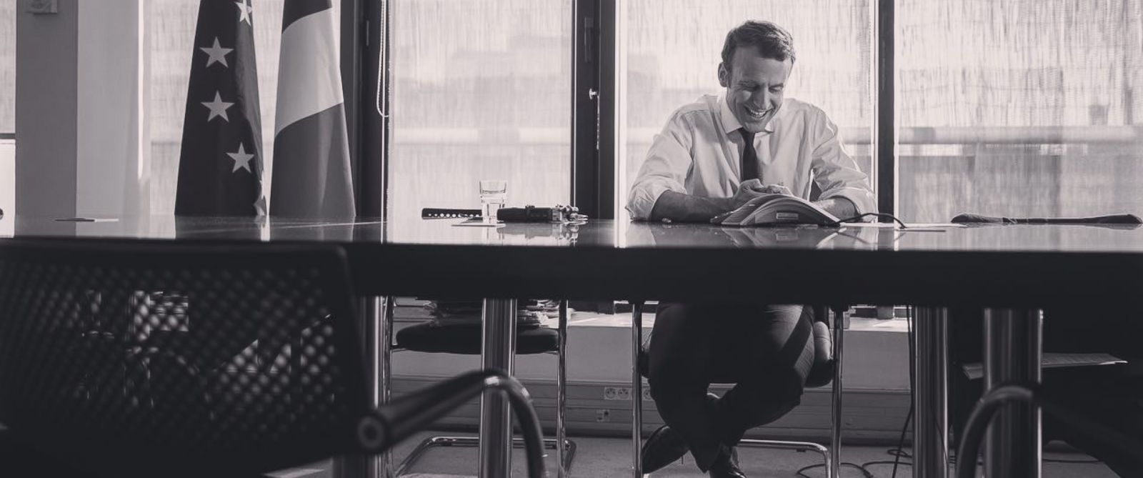 PHOTO: A photograph that appears on the Twitter account of French Presidential candidate Emmanuel Macron claiming to show him during his phone call with former President Barak Obama.