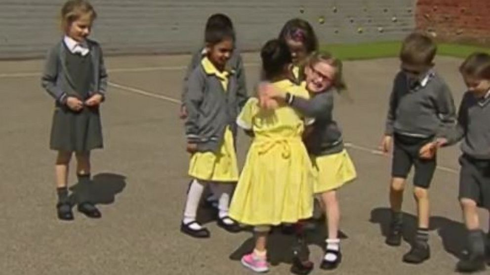 Amputee, 7, returns to school with prosthetic blade, gets heartwarming reaction