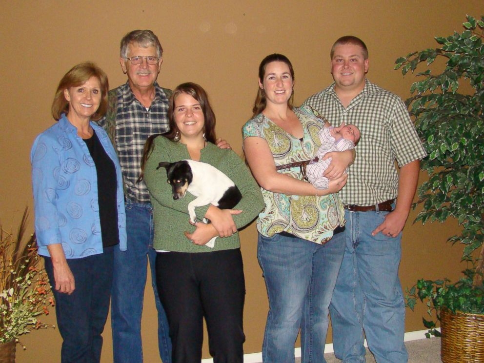 PHOTO: Kayla Mueller is seen here with her family in this undated photo.