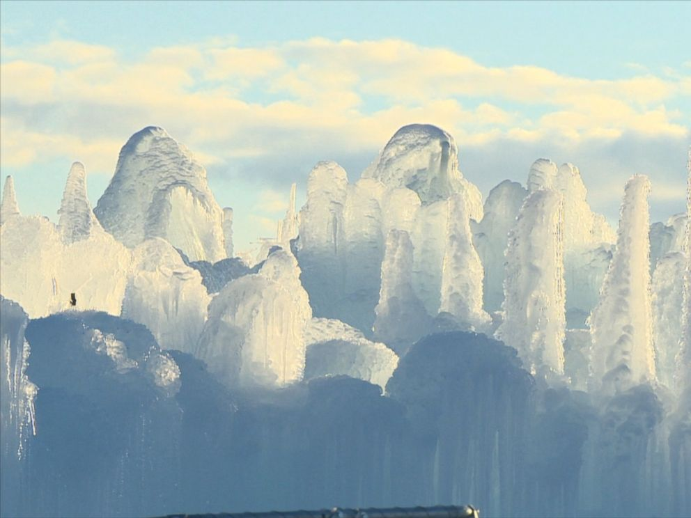 PHOTO:A massive ice castle is being constructed in Edmonton, Canada.