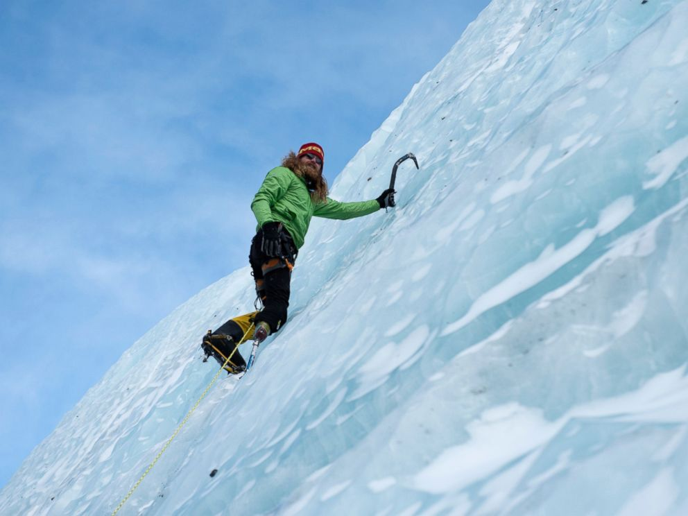 PHOTO: If he is successful, retired staff sergeant Chad Jukes, who is climbing with a prosthetic leg, will be the first combat wounded veteran to summit Mount Everest.