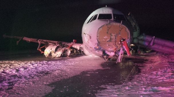 http://a.abcnews.com/images/International/HT_tsb_air_canada_crash_2_jt_150329_16x9_608.jpg