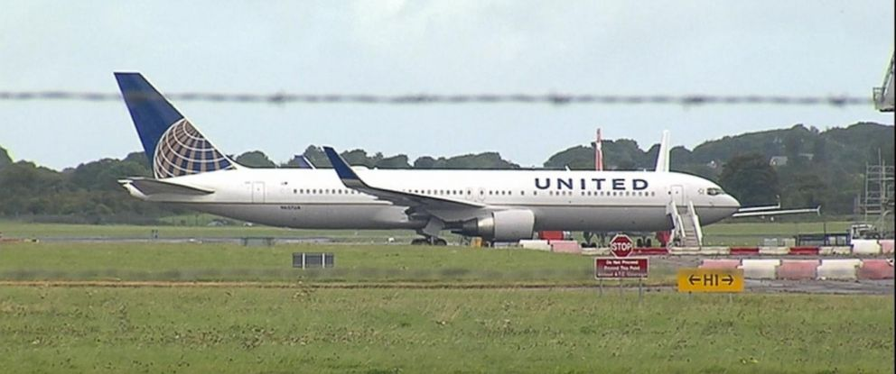 Good Morning America United Airlines : Severe turbulence forces plane s emergency landing in
