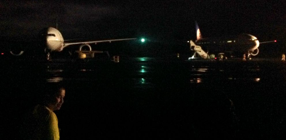 PHOTO: Passengers of a United flight were diverted to Midway island after a mechanical problem on board.