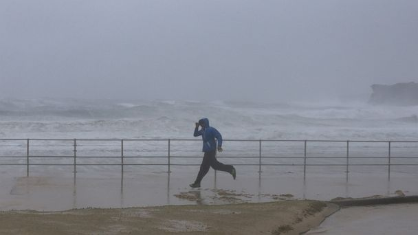 http://a.abcnews.com/images/International/RT_australia_storm_waves_jtm_150421_16x9_608.jpg