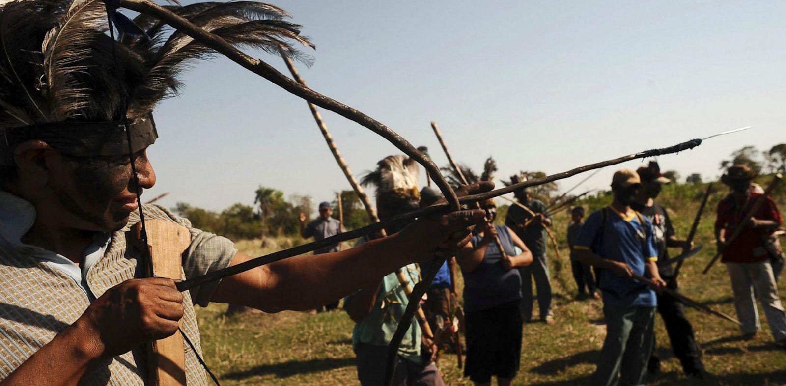PHOTO: Brazilian Indians of the Guarani-Kaiowa tribe invade a private ranch