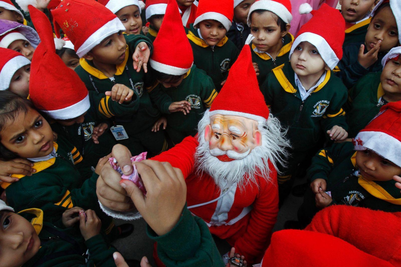 christmas around the world photos abc news