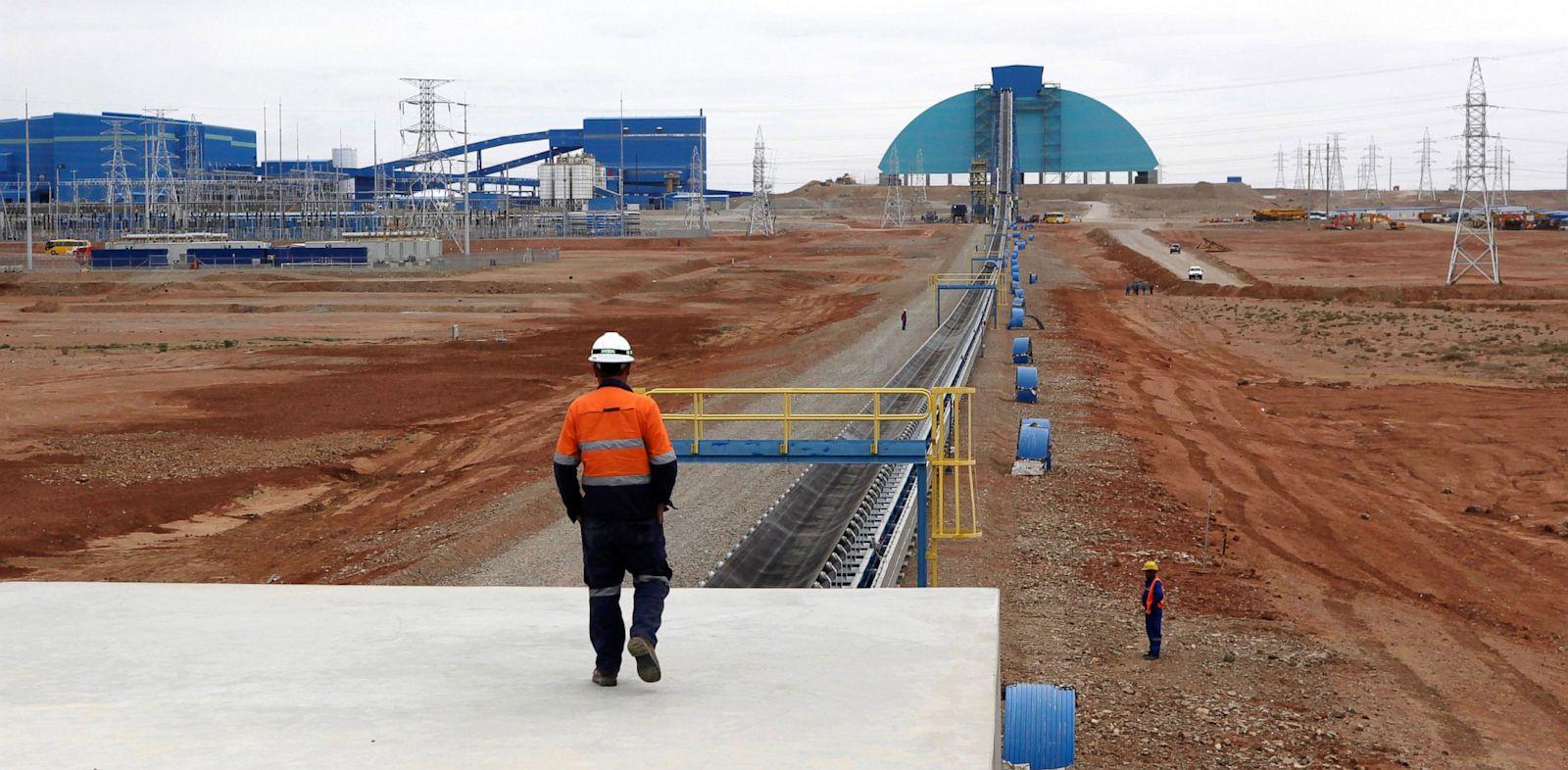 PHOTO: Oyu Tolgoi mine in Mongolias South Gobi region