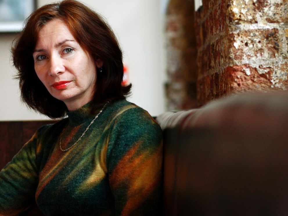 PHOTO: Chechen journalist and activist Natalia Estemirova poses at the Front Line Club in London in this October 4, 2007 file photo.
