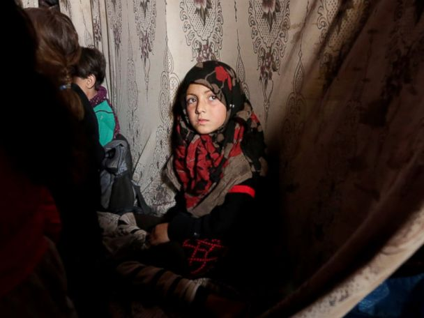 Photos:  Displaced Children in Syria Attend Class in Caves and Caravans