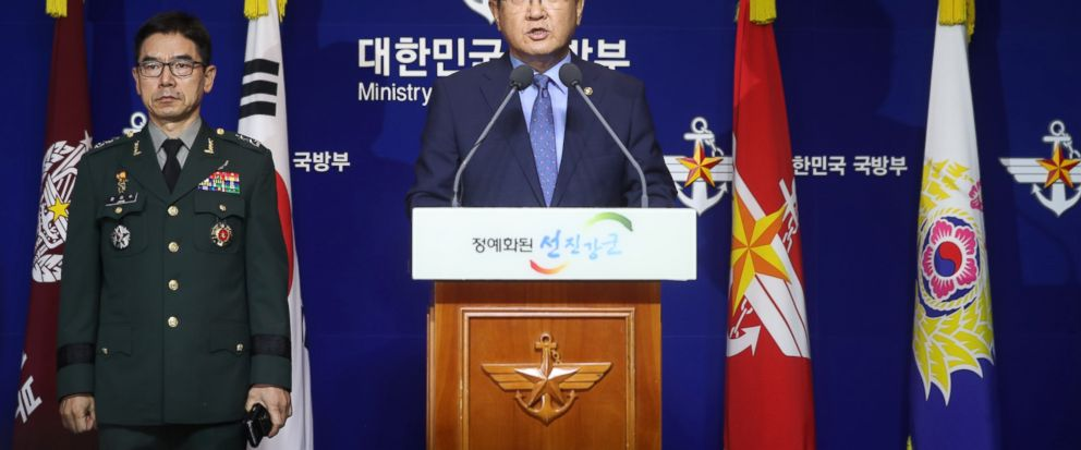 South Korean Vice Defense Minister Suh Choo Suk, right, speaks during a press conference at the Defense Ministry in Seoul, South Korea, Monday, July 17, 2017. South Korea has offered to talk with North Korea to ease animosities along their tense bord