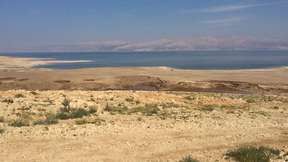 Death of the Dead Sea Abc_Sinkholes_Dead_Sea_kb_150316_16x9_992