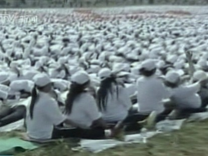 VIDEO: More than 10,000 people in China set a world record for human domino chain.
