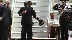 VIDEO: Moamar Ghadafi meets Silvio Berlusconi in Italy.