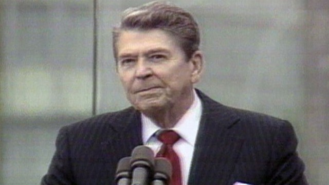 VIDEO: Pres. Reagan challenges Soviet leader Gorbachev to eliminate the Berlin Wall.